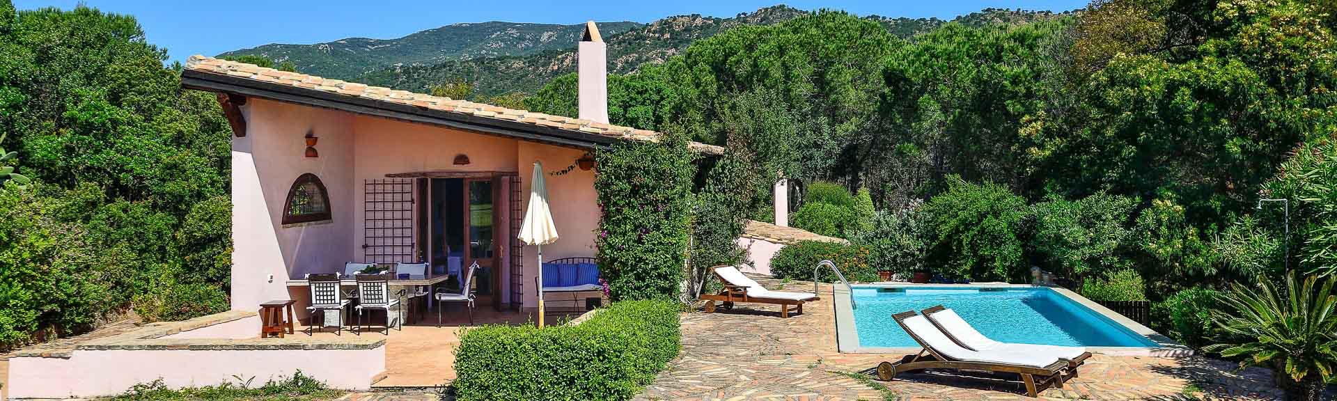 Villa Fiori 3 mit Pool, Is Molas, Sardinien